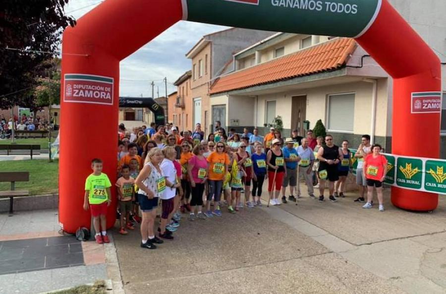 La II Legua Benéfica recauda más de 1.000 euros para la Asociación 'Corriendo con el Corazón por Hugo'