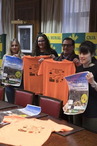 La marcha solidaria de Pino del Oro bate récord de asistencia
