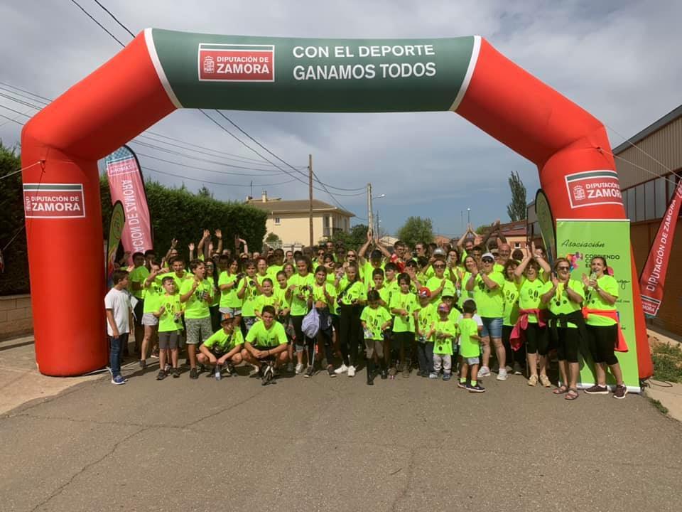 Casi dos centenares de personas participaron en Andavías en I Marcha Solidaria a favor de Corriendo con el Corazón por Hugo