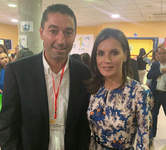 La Reina Letizia conoce la labor de Corriendo con el Corazón por Hugo