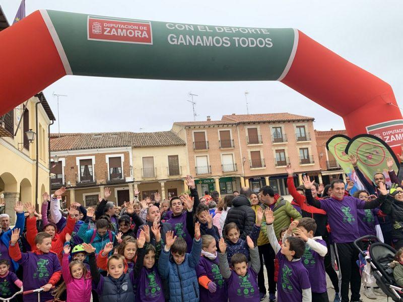 Villalpando recauda 1.300 euros en la I Marcha Solidaria a favor de la Asociación Corriendo con el Corazón por Hugo